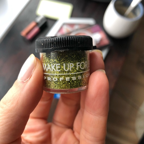 Makeup Forever Other - Lime green glitter